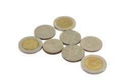 Variété de pièces de monnaie de baht thaïlandais Photos stock