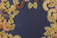 Variété de types de fond italien de pâtes Photo stock