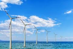 Vari avvolgono la turbina del mare per l'elettricità sostenibile alternativa verde Fotografia Stock Libera da Diritti