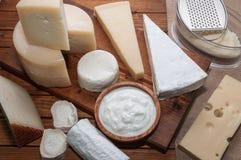 Vari formaggi Fotografie Stock Libere da Diritti