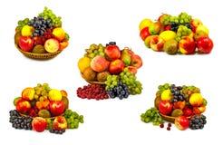 Vari frutti maturi su fondo bianco fotografie stock