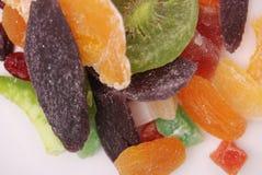 Vari frutti secchi su fondo bianco Fotografie Stock