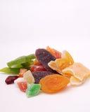 Vari frutti secchi su fondo bianco Fotografia Stock