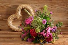Vari generi di fiori in molti colori Immagini Stock