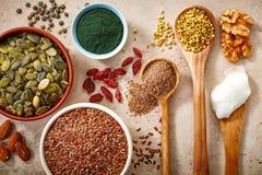 Vari generi di superfoods Fotografie Stock