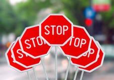 Vari il fanale di arresto sulla strada di città vaga Fotografie Stock Libere da Diritti