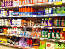 Vari prodotti di pulizia Fotografie Stock