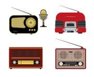 Vari retro radioricevitori e microfono Fotografie Stock Libere da Diritti