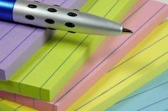 Vari rilievi e penna Fotografia Stock Libera da Diritti
