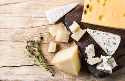 Vari tipi formaggio Fotografia Stock Libera da Diritti