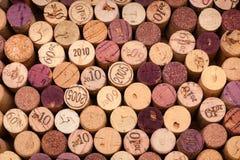 Vari Wine sugheri veduti da sopra Fotografia Stock Libera da Diritti
