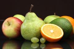 Varia aún-vida de la fruta Fotografía de archivo libre de regalías