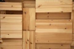 varias cajas de madera doblaron uno por uno foto de archivo