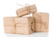 Varias cajas de regalo, paquetes postales Imagen de archivo