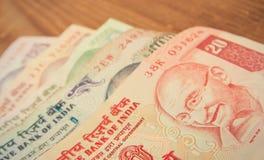 Varias cuentas de rupias fotos de archivo libres de regalías