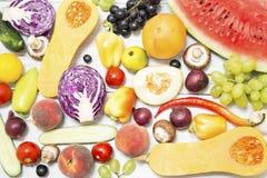 Varias frutas y verdura imagenes de archivo