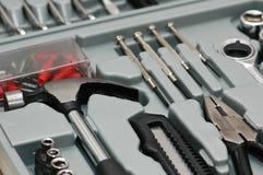 Varias herramientas de DYI en el rectángulo del juego de herramientas Imágenes de archivo libres de regalías