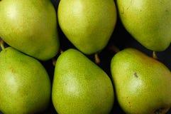 Varias peras verdes Imágenes de archivo libres de regalías