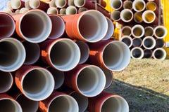 Pila de tubos de alcantarilla imagen de archivo