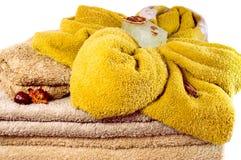 Varias toallas del balneario en primer del overwhite de los colores en colores pastel Imágenes de archivo libres de regalías