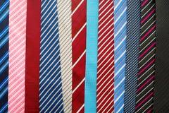 Variation av färgrika slipsar Royaltyfri Bild