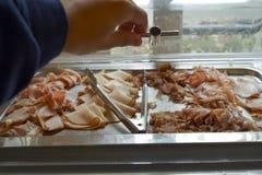 Variation av läckra thin skivade frukostkött Royaltyfri Foto