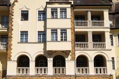 Variation des fenêtres sur le palais antique Images libres de droits
