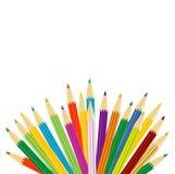 Varicoloured Bleistifte auf einem weißen Hintergrund stock abbildung