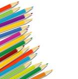 Varicoloured Bleistifte auf einem weißen Hintergrund lizenzfreie abbildung