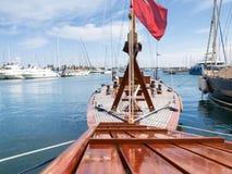 Varie barche attraccate nel porto Fotografie Stock