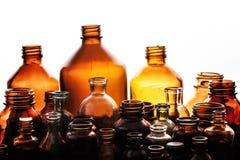 Varie bottiglie mediche del farmacista Fotografia Stock