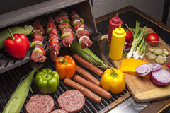 Varie carni pronte per Grill-1 fotografia stock libera da diritti