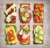 Varie fette del pane croccante Immagine Stock