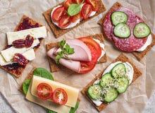 Varie fette del pane croccante Fotografia Stock Libera da Diritti