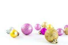 Varie palle di taglia e colorate di Natale Fotografia Stock