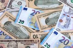 Varie valute sulla tavola fotografia stock libera da diritti
