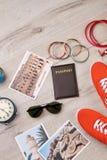 Variedad de accesorios turísticos del verano Imagen de archivo libre de regalías