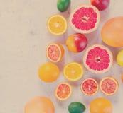 Variedad de frutas cítricas Fotos de archivo libres de regalías