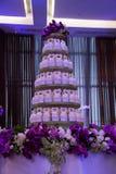 Variedad de magdalenas de una comida fría del postre en una boda Foto de archivo