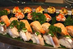 Variedad de menú del sushi imagen de archivo libre de regalías