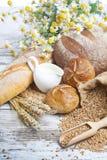 Variedad de pan, rollos frescos Foto de archivo libre de regalías