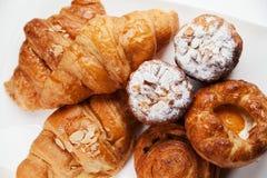 Variedad de productos de la panadería Foto de archivo libre de regalías