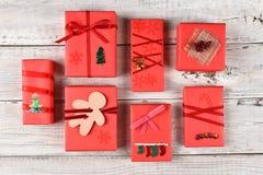Variedad de regalos de Navidad Fotos de archivo
