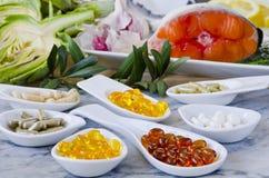 Variedad de suplementos alimenticios Fotos de archivo libres de regalías