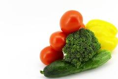 Variedad de verduras frescas en el fondo blanco fotos de archivo libres de regalías