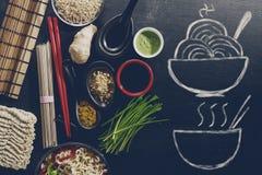 Variedad diferente muchos ingredientes para cocinar a Oriental sabroso como Foto de archivo libre de regalías