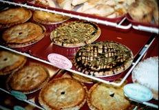 Variedade das tortas na padaria Imagens de Stock Royalty Free