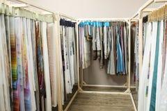 Variedade de amostras da tela para cortinas fotos de stock
