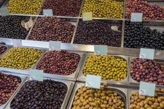 Variedade de azeitonas frescas Fotos de Stock Royalty Free