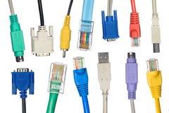 Variedade de cabos do computador fotografia de stock royalty free